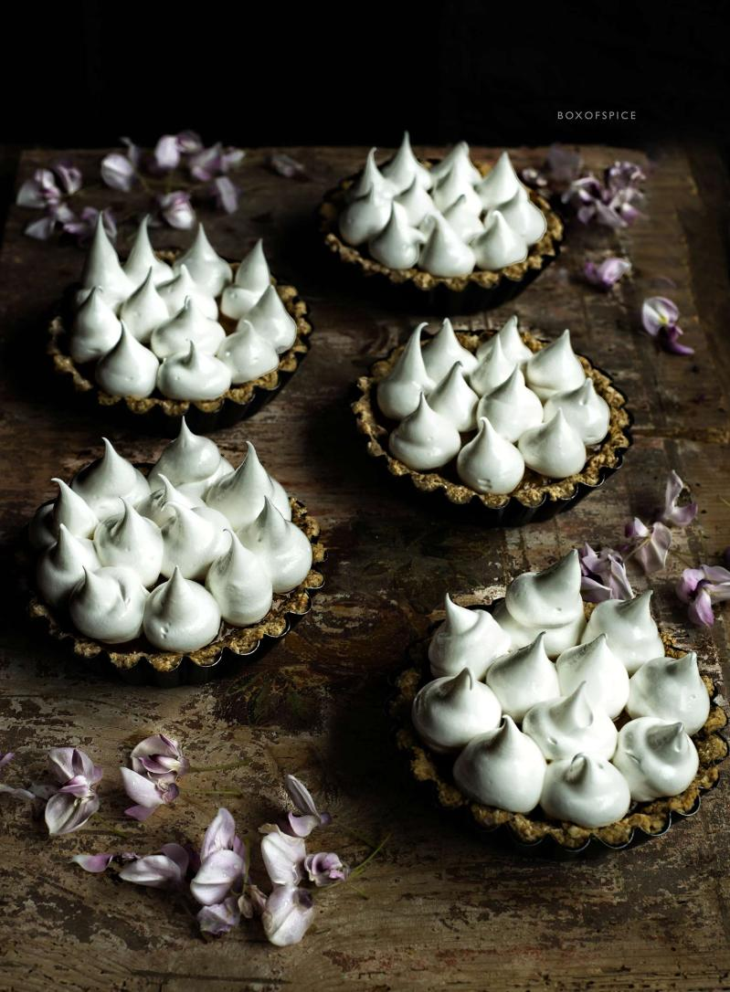 apricot meringue tartlets